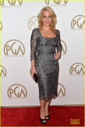 sarah-paulson-gillian-anderson-producers-guild-awards-2014-03